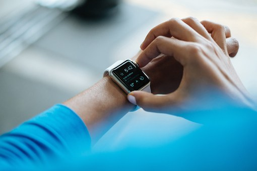 smartwatch-828786__340